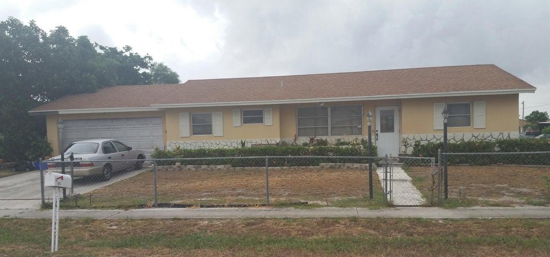 1800 NE 2nd Court, Boynton Beach, FL 33435