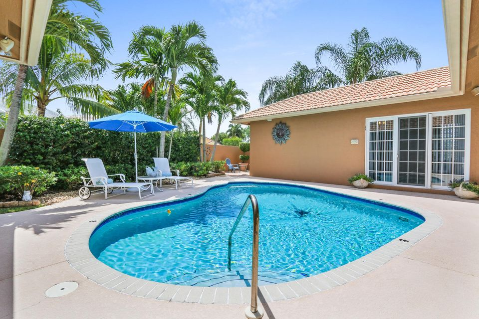6085 Golf Villas Drive, Boynton Beach, FL 33437