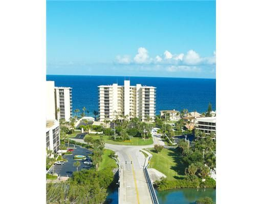 Additional photo for property listing at 100 Beach Road  Tequesta, Florida 33469 United States
