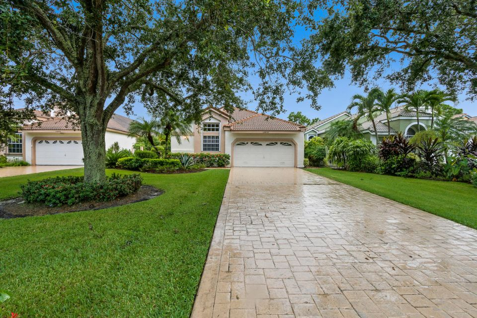 12850 Oak Knoll Drive  West Palm Beach, FL 33418