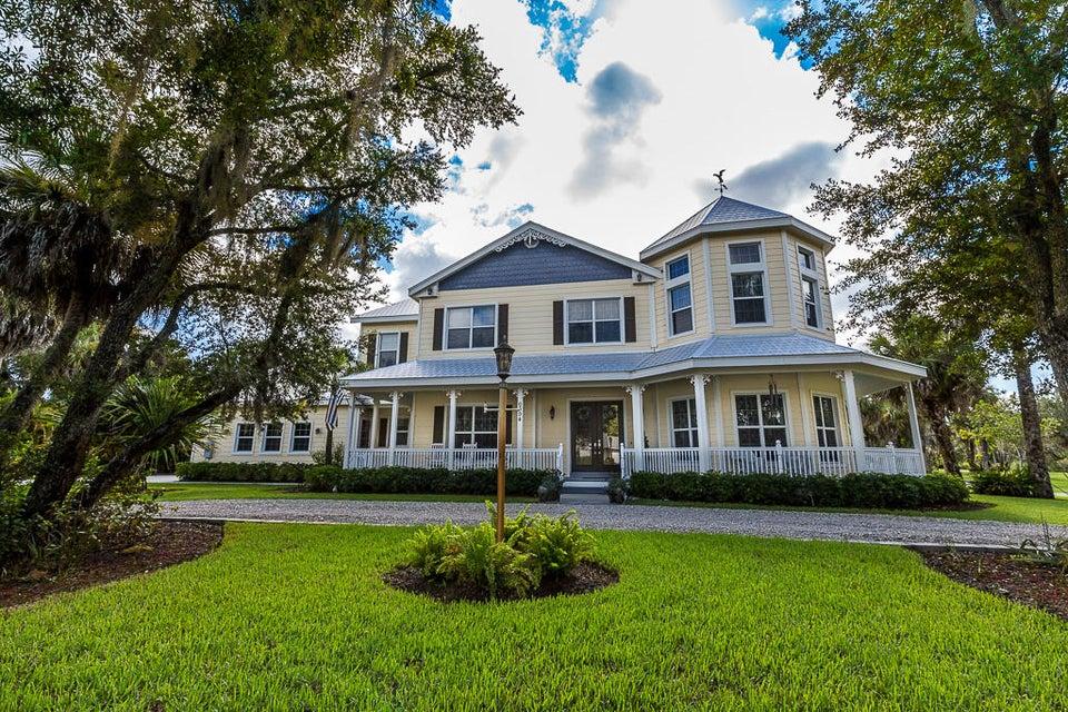 6394 Citrus Avenue, Fort Pierce, FL 34982