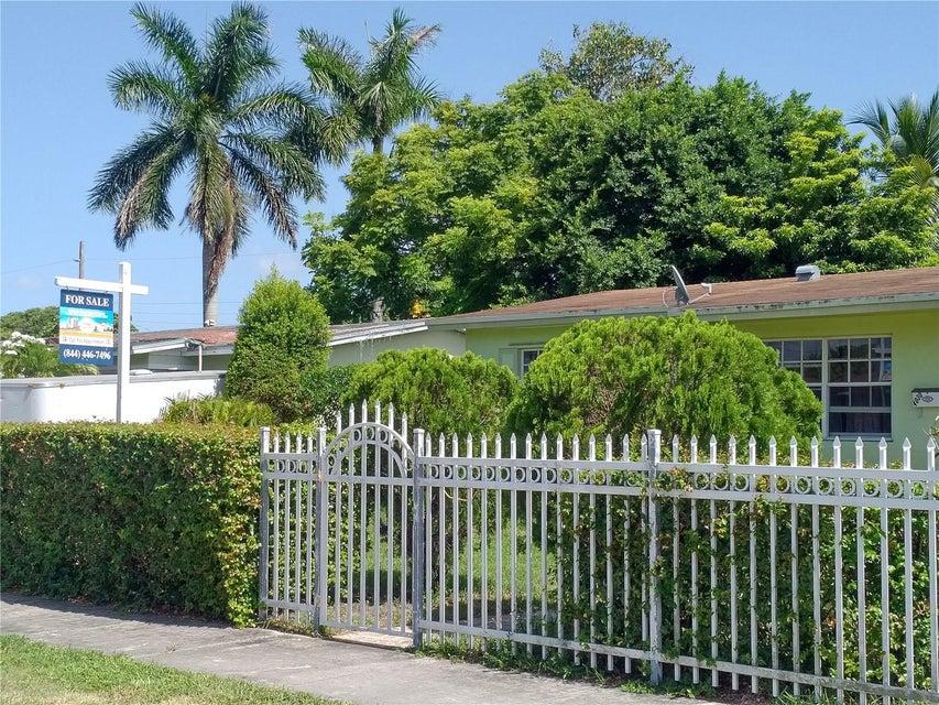 Home for sale in CAROL CITY GARDENS Miami Gardens Florida