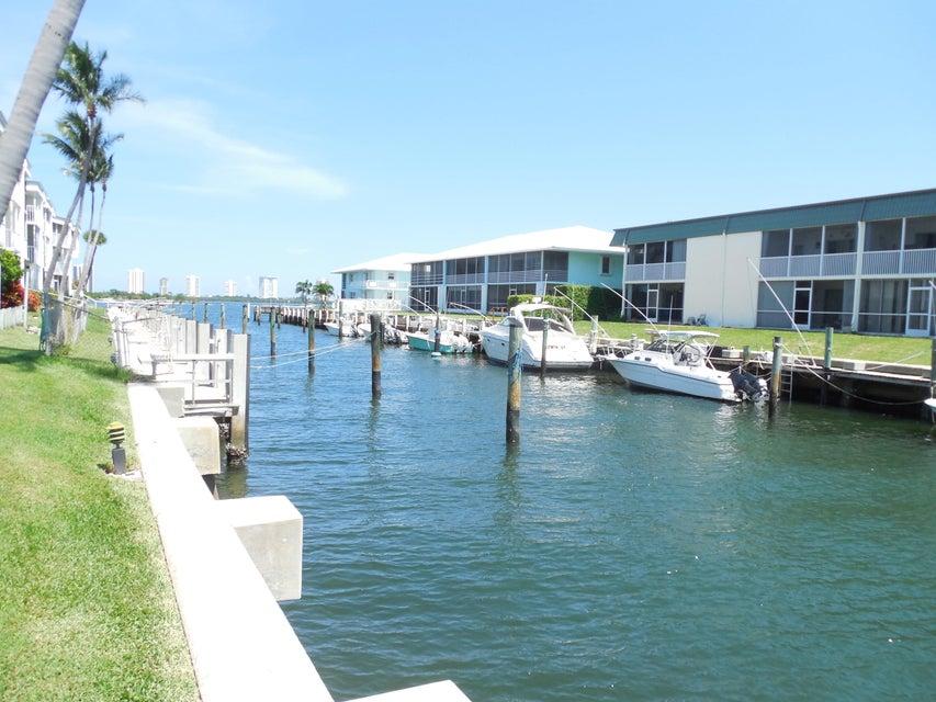 112 Doolen Court 302, North Palm Beach, FL 33408