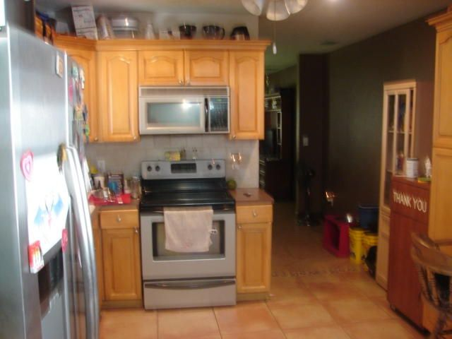 Additional photo for property listing at 968 Allendale Road  West Palm Beach, Florida 33405 United States