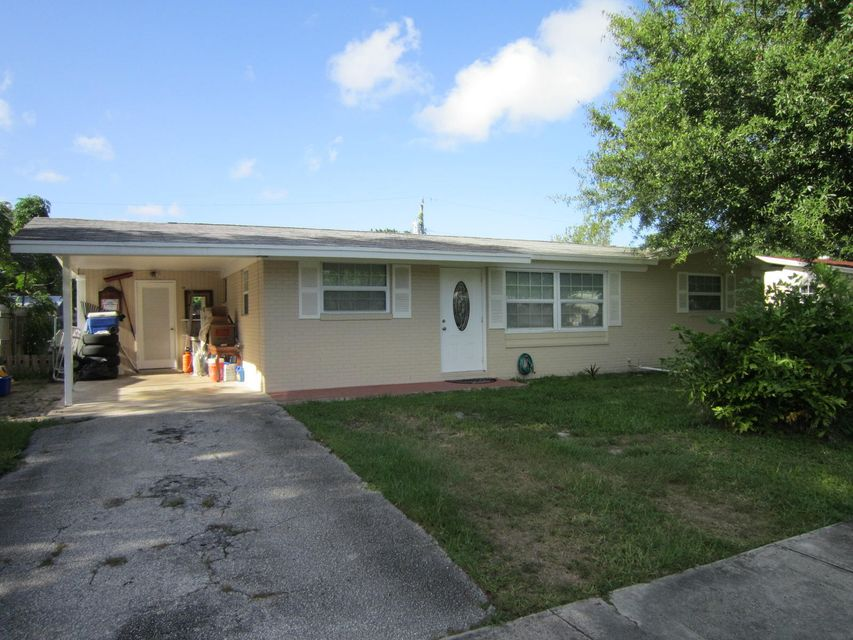 Updated 3/2 home with attached carport and large back yard. No HOA requirement. Close to all amenities, major roadways and support facilities. Pets are case by cases basis. No minimum score required, however must show ability to pay the rent and pass criminal background check.