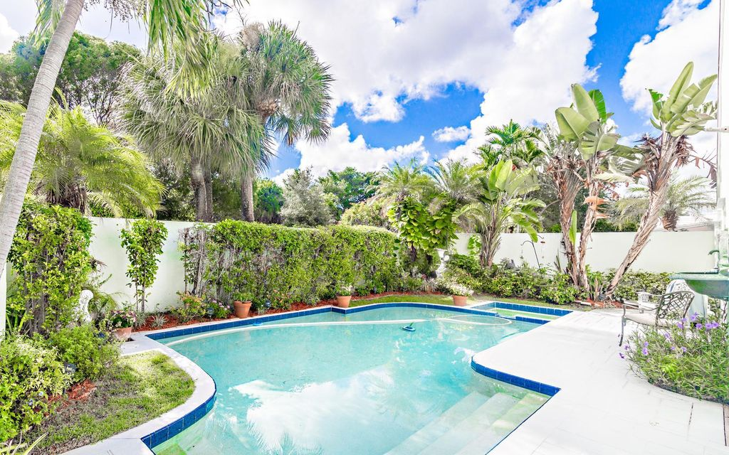 3 Dorchester Circle Palm Beach Gardens Fl 33418 Rx 10261072 In Pga National