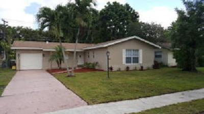 9633 SW 1 Place, Boca Raton, FL 33428