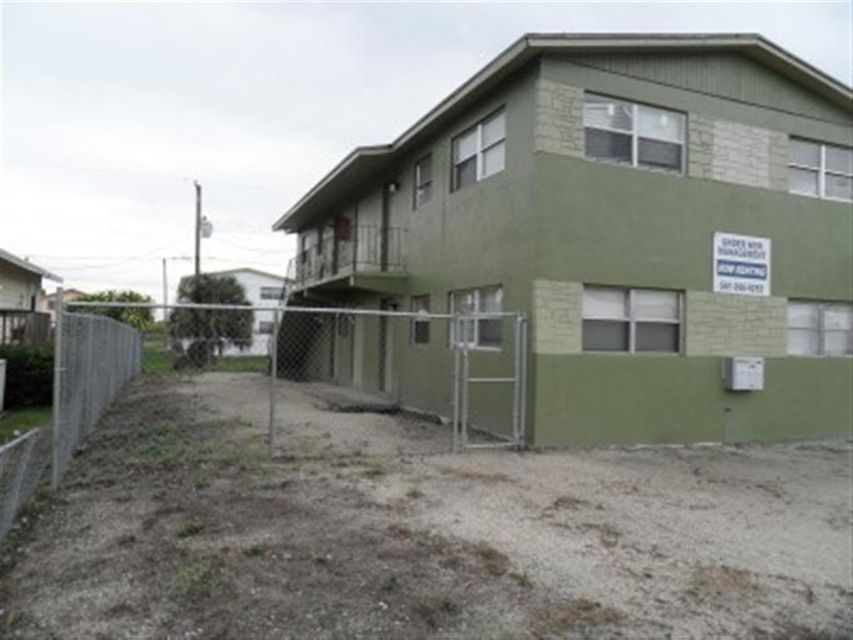 Duplex for Sale at 673 7th Street Belle Glade, Florida 33430 United States
