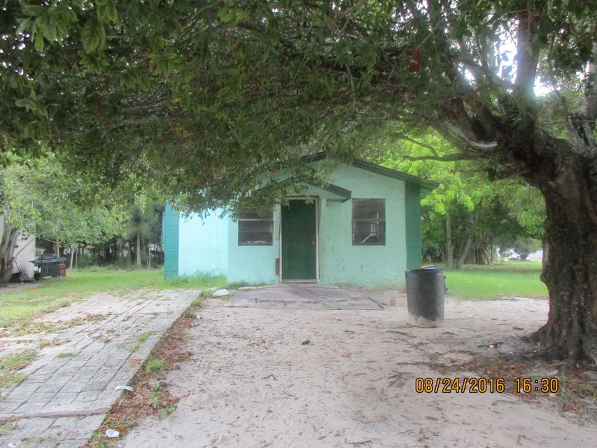 709 N 18th N Street, Fort Pierce, FL 34950