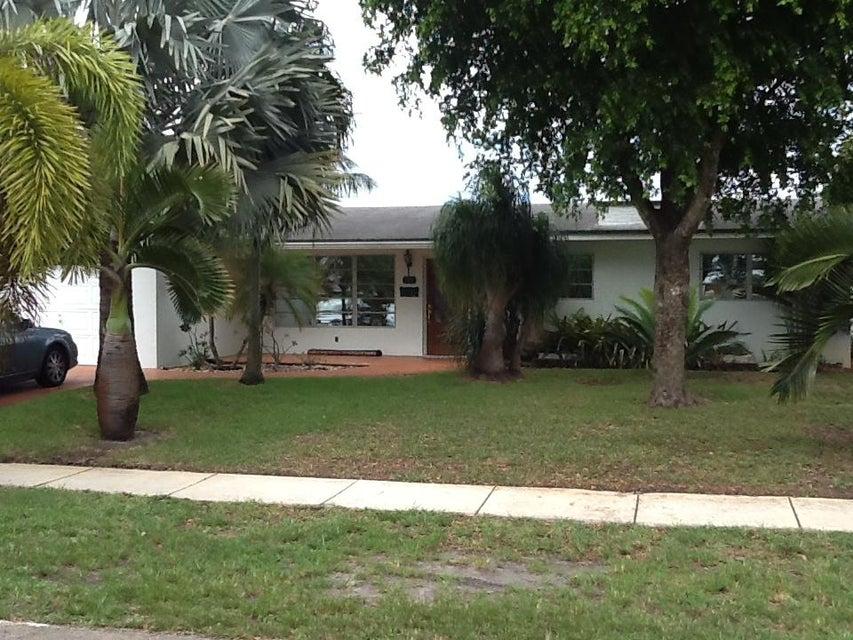 311 NW 77th Avenue, Pembroke Pines, FL 33024