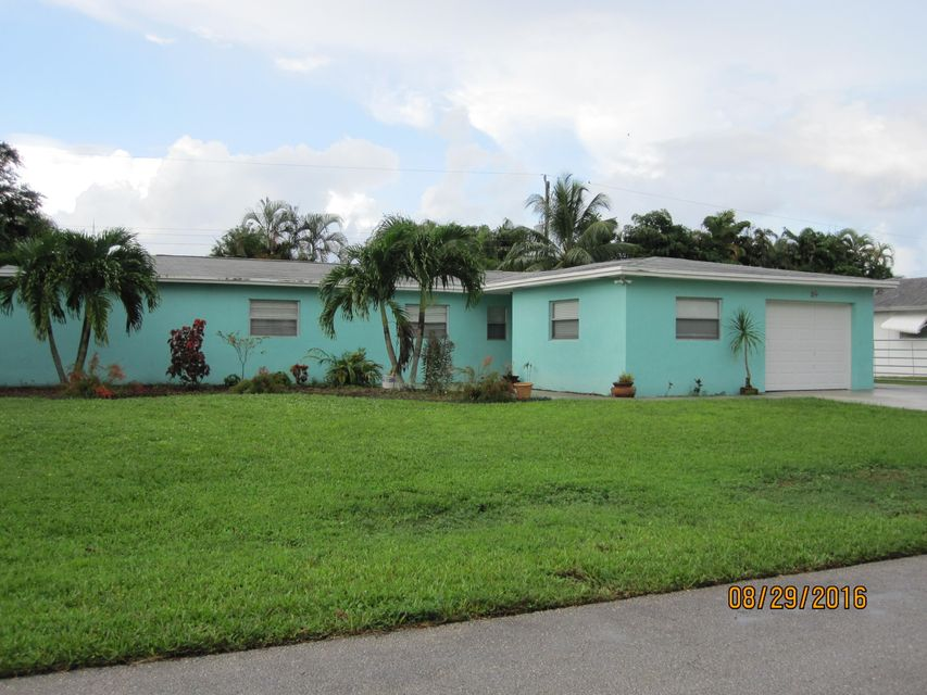 49 W Pine Tree Avenue , Lake Worth FL 33467 is listed for sale as MLS Listing RX-10263311 27 photos