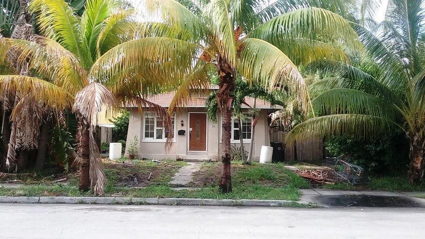 336 Kenilworth Boulevard West Palm Beach, FL 33405