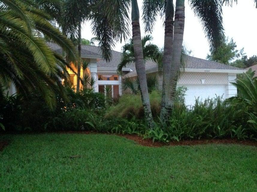 5042 SE Schooner Oaks Way, Stuart, FL 34997