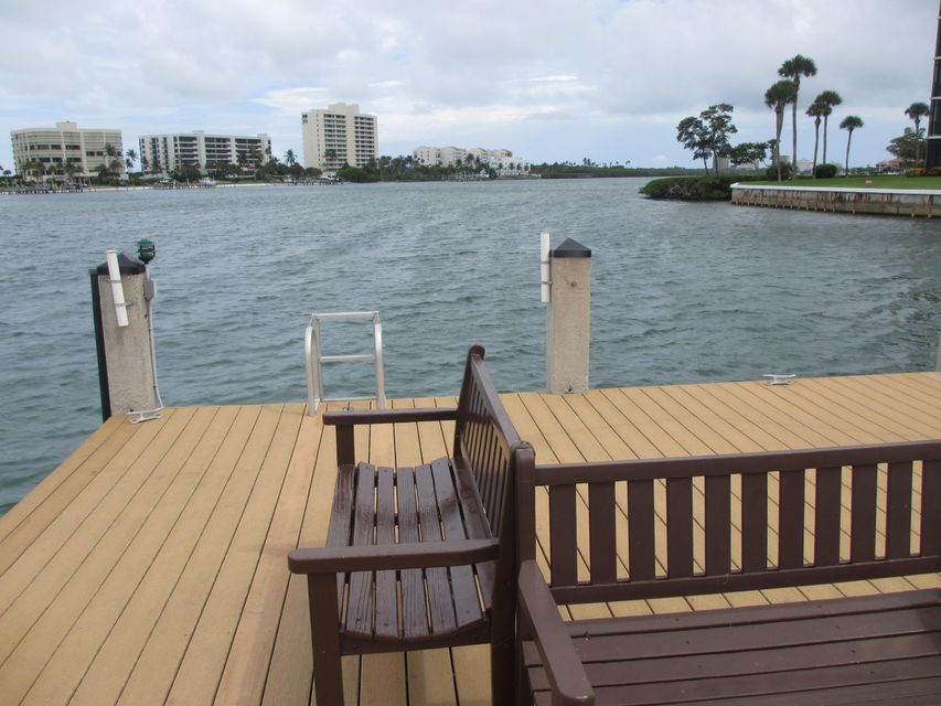 Additional photo for property listing at 200 Intracoastal Place  Tequesta, Florida 33469 United States