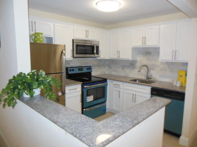 Co-op / Condo for Sale at 582 Brittany M 582 Brittany M Delray Beach, Florida 33446 United States
