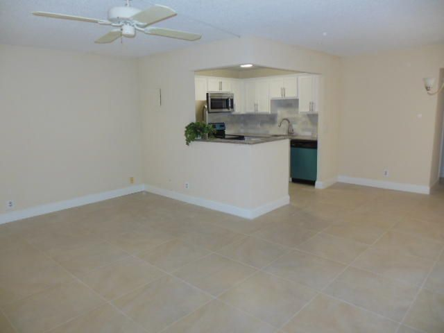 Additional photo for property listing at 582 Brittany M 582 Brittany M Delray Beach, Florida 33446 United States