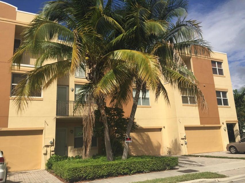 1627-1635 NE 11th Street 1-2-3, Fort Lauderdale, FL 33304