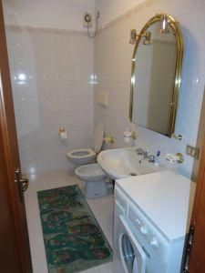Additional photo for property listing at 4 Via Guassardo Maria   Outras Áreas 00000 Estados Unidos