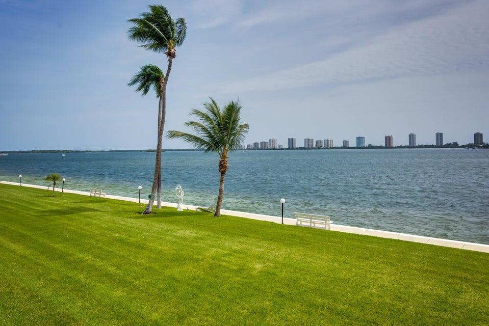 301 Lake Shore Drive 207, Lake Park, FL 33403