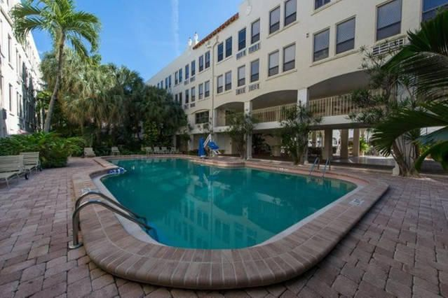 235 Sunrise Avenue 2040  Palm Beach FL 33480