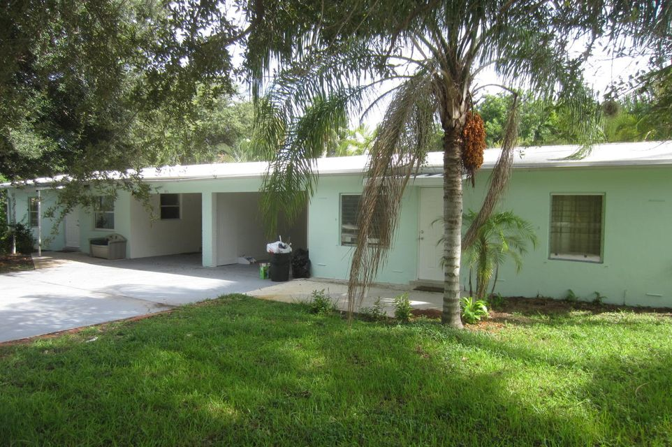 2571 Hinda Road, North Palm Beach, FL 33403