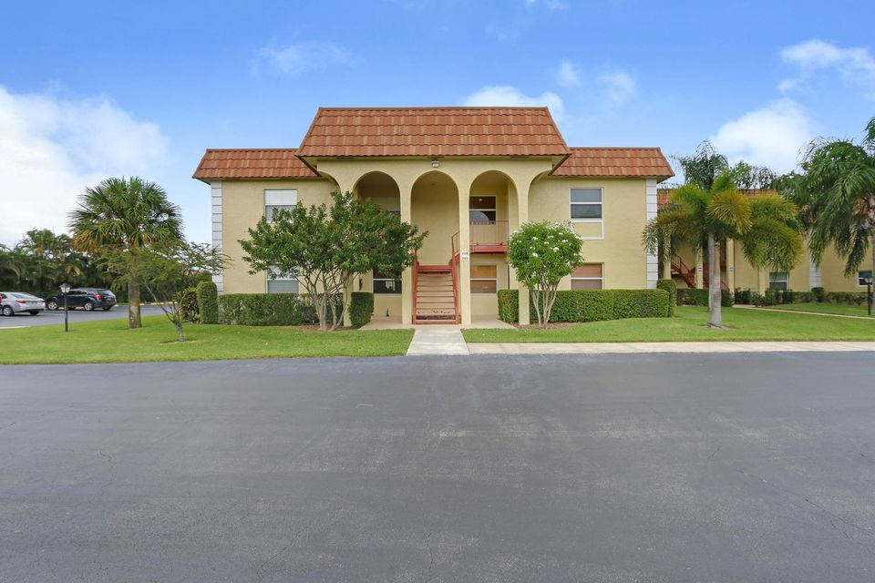 Co-op / Condo for Sale at 717 S Us Highway 1 Jupiter, Florida 33477 United States