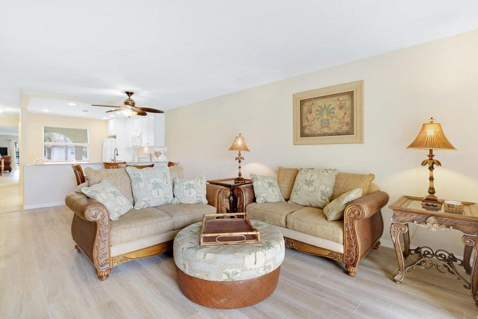 Additional photo for property listing at 717 S Us Highway 1  Jupiter, Florida 33477 United States
