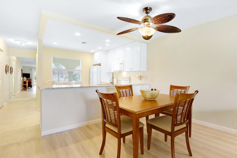 Additional photo for property listing at 717 S Us Highway 1  Jupiter, Florida 33477 Vereinigte Staaten