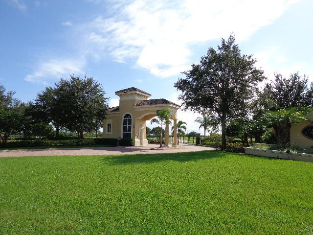 Additional photo for property listing at 3150 SW Briarbrook Way 3150 SW Briarbrook Way Palm City, Florida 34990 États-Unis