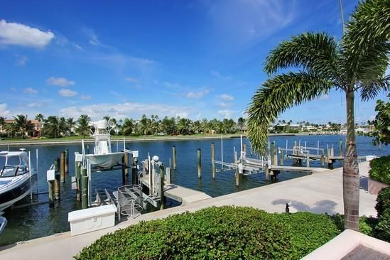 Townhouse for Sale at 6529 SE South Marina Way 6529 SE South Marina Way Stuart, Florida 34996 United States