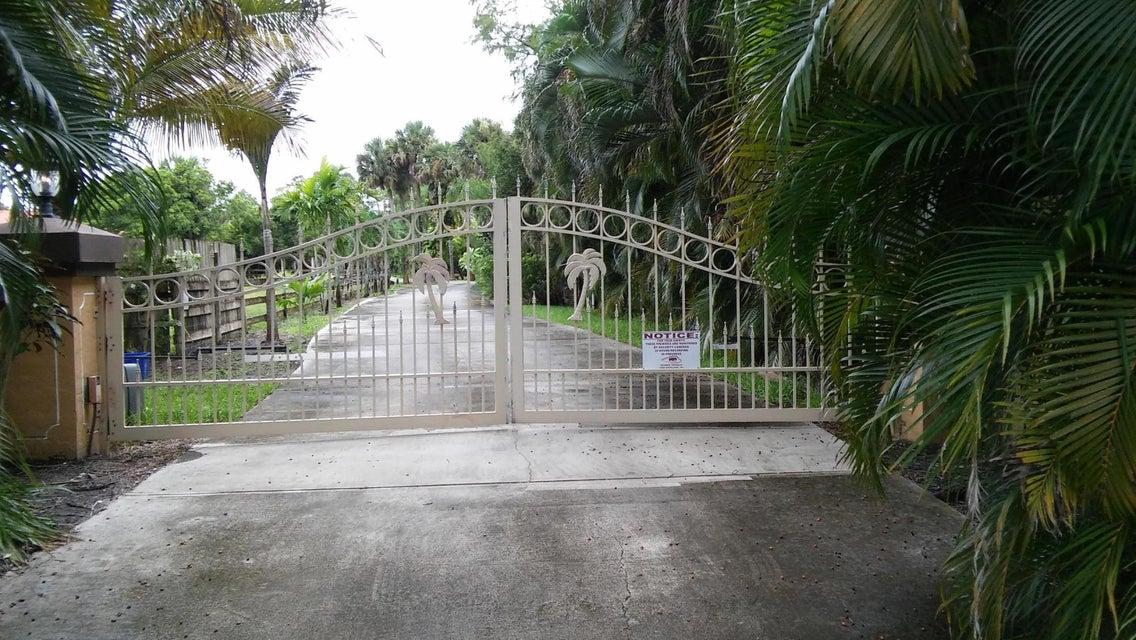 7656 Pioneer Road, West Palm Beach, FL 33413