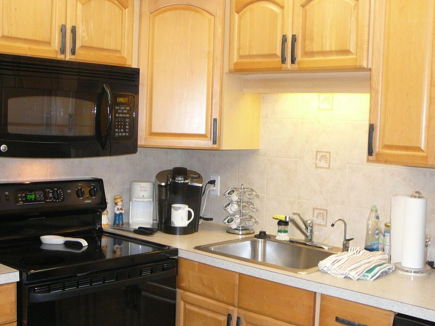 95  Seville F  is listed as MLS Listing RX-10265922 with 28 pictures