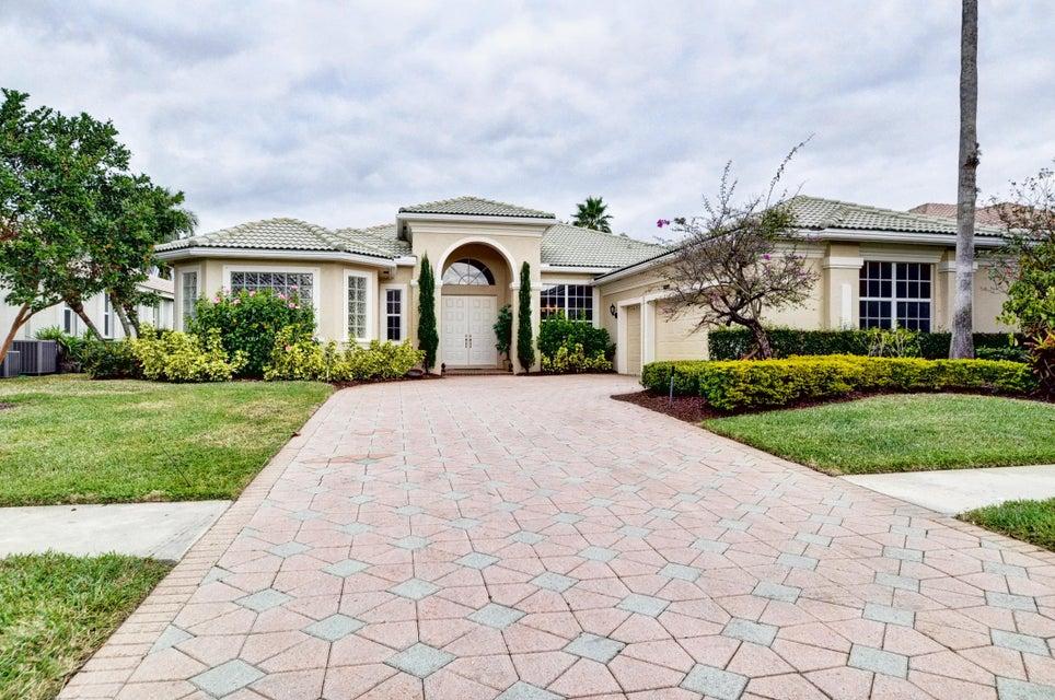 8973 Lakes Boulevard  West Palm Beach, FL 33412