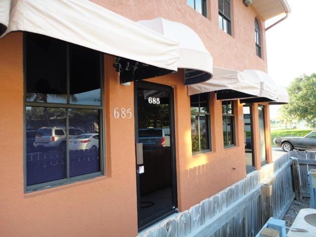 691 SW Whitmore Drive, Port Saint Lucie, FL 34984
