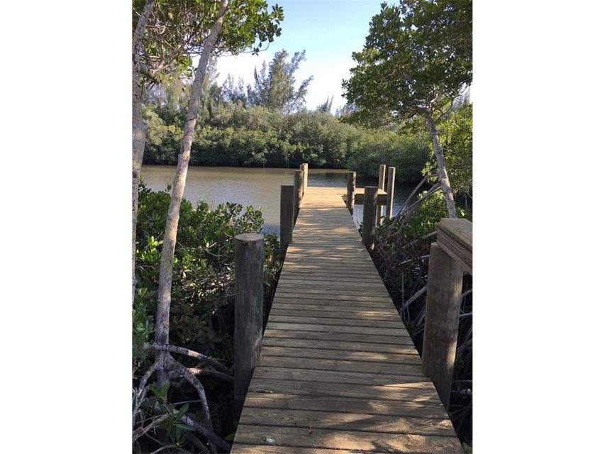 Additional photo for property listing at 395 Live Oak Drive 395 Live Oak Drive Vero Beach, Florida 32963 Vereinigte Staaten