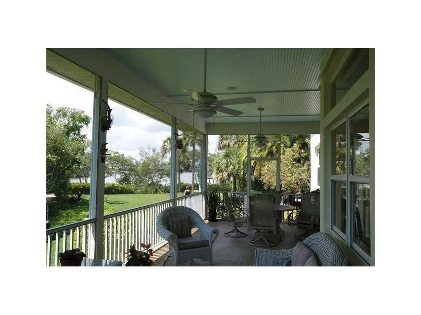 Additional photo for property listing at 395 Live Oak Drive 395 Live Oak Drive Vero Beach, Florida 32963 United States