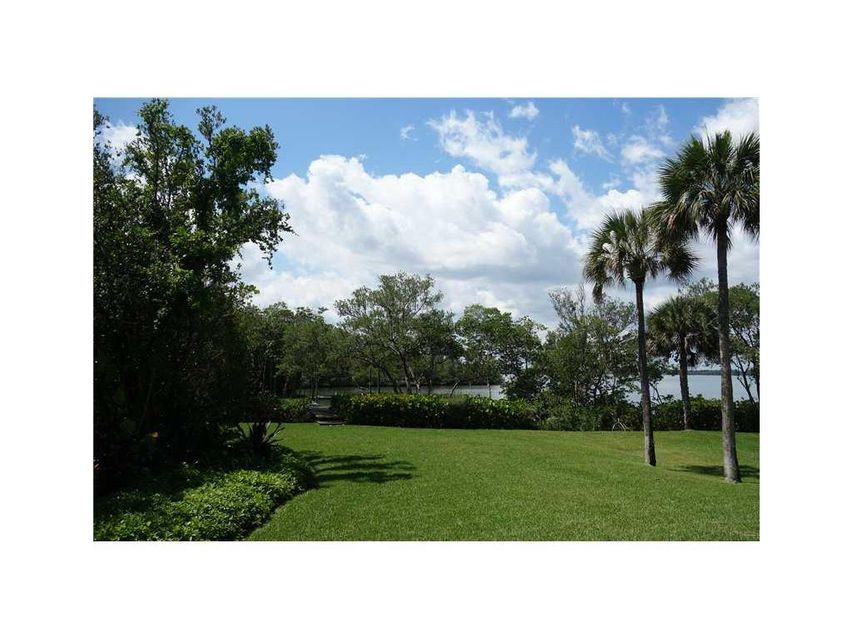 Additional photo for property listing at 395 Live Oak Drive 395 Live Oak Drive Vero Beach, Florida 32963 États-Unis