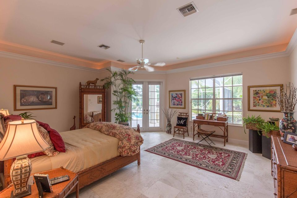 Additional photo for property listing at 11222 Isle Brook Court 11222 Isle Brook Court Wellington, Florida 33414 United States