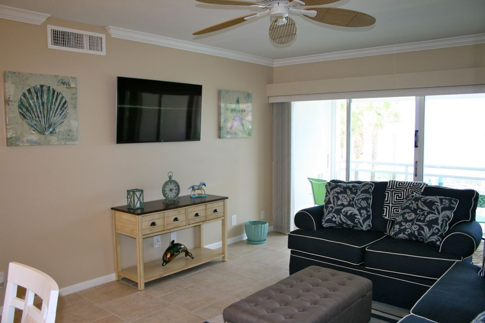 Additional photo for property listing at 500 SE 21st Avenue 500 SE 21st Avenue Deerfield Beach, Florida 33441 United States