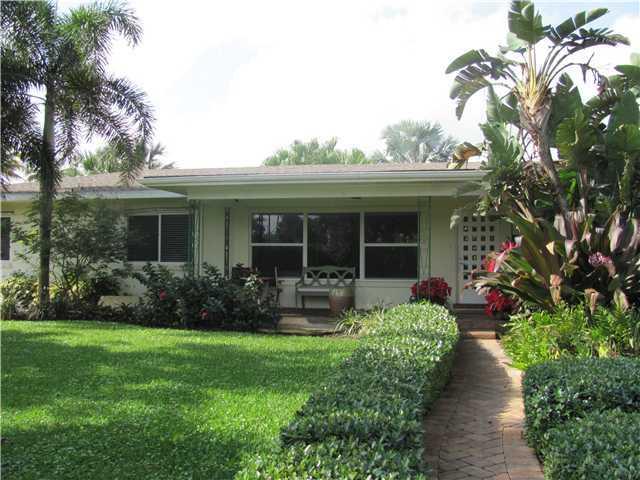 1202 S Palmway, Lake Worth, FL 33460