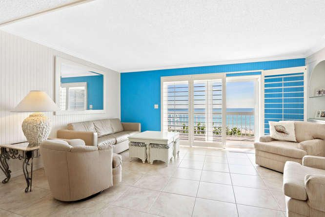 Additional photo for property listing at 1002 Ocean Drive  Juno Beach, Florida 33408 Estados Unidos