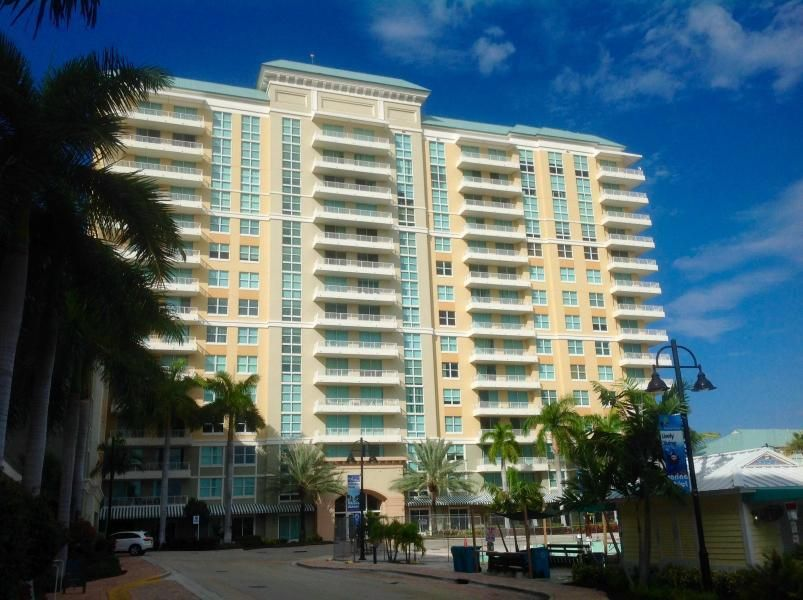 700 E Boynton Beach 403, Boynton Beach, FL 33435