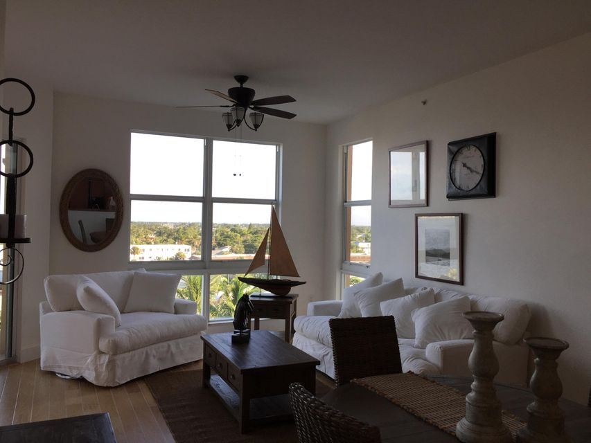 Additional photo for property listing at 806 E Windward Way E 806 E Windward Way E Lantana, Florida 33462 United States