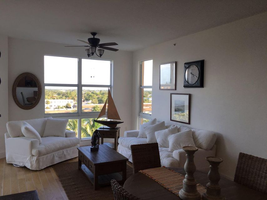 Additional photo for property listing at 806 E Windward Way E 806 E Windward Way E Lantana, 佛罗里达州 33462 美国