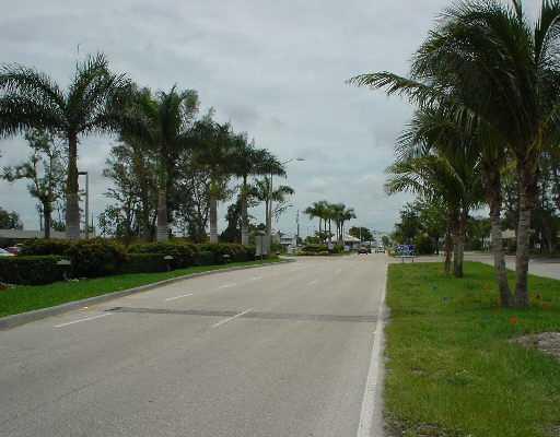 120 Berkshire F, West Palm Beach, FL 33417