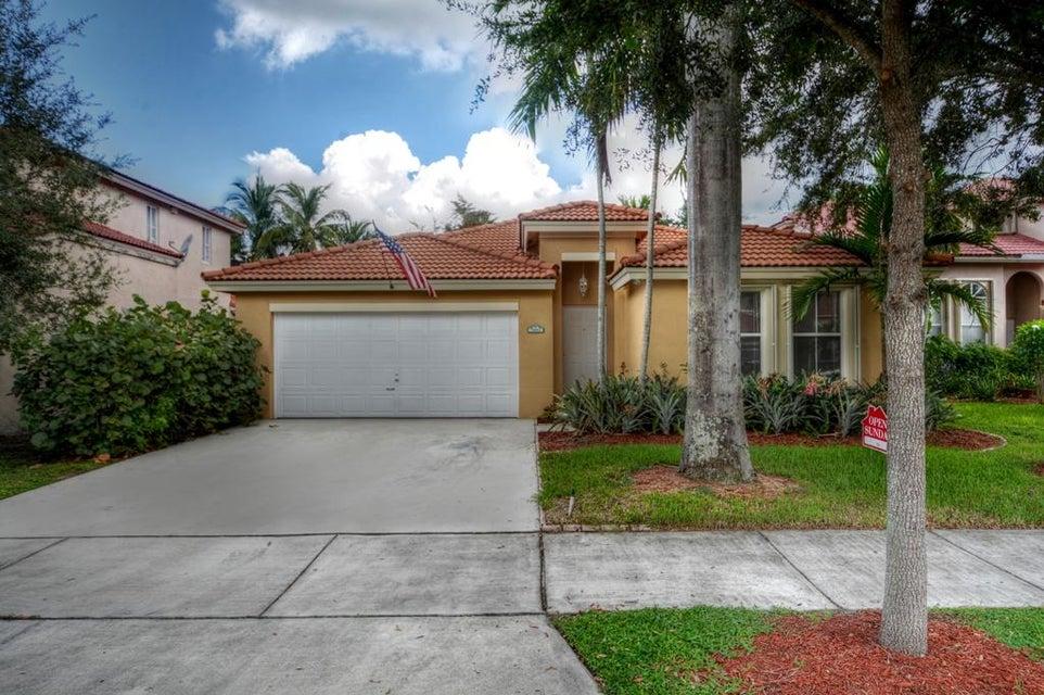 13963 N Cypress Cove Circle, Davie, FL 33325