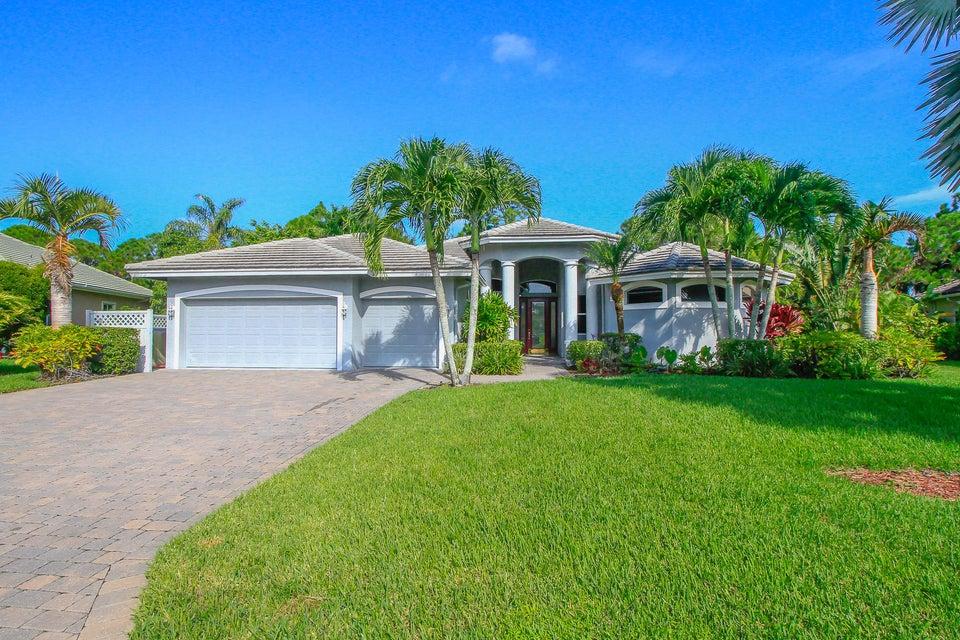4865 SE Longleaf Place, Hobe Sound, FL 33455