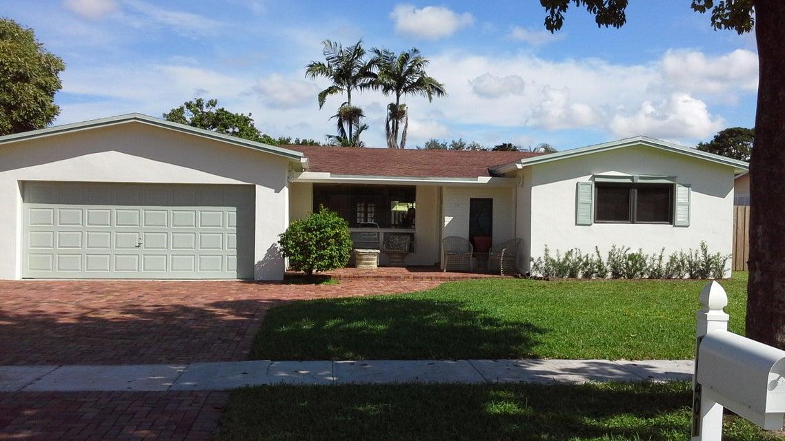 10401 NW 3rd Street, Plantation, FL 33324