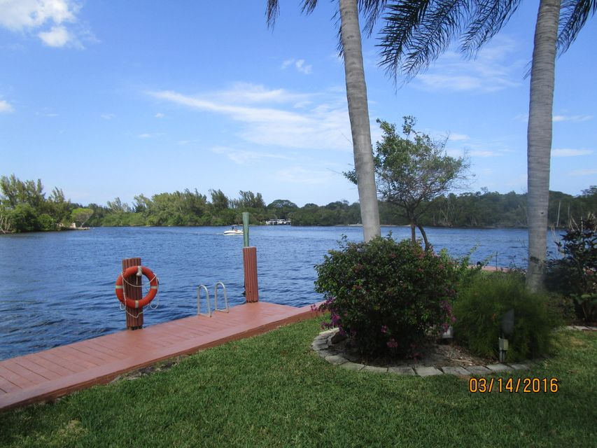 2934 NE 8th Avenue, Boca Raton, FL 33429