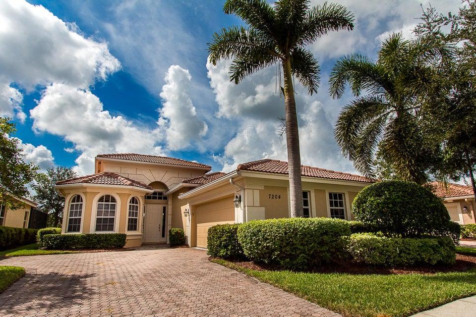 7204 Maidstone Drive, Port Saint Lucie, FL 34986